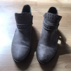 Size 10 ankle boots worn once